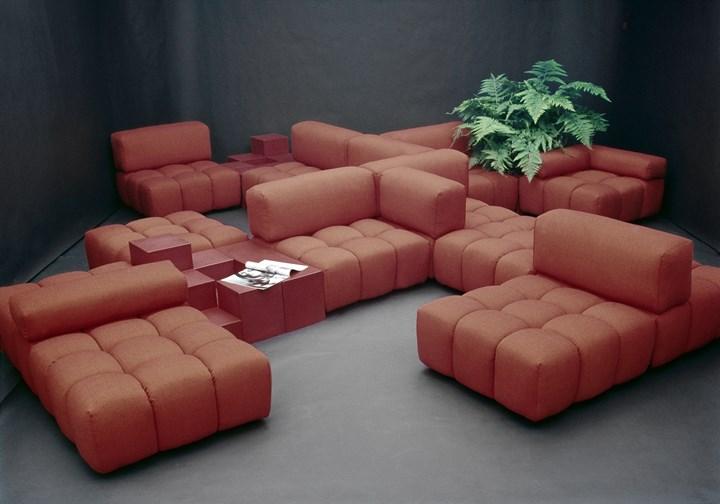 B&B Italia возобновляет производство дивана Camaleonda, разработанного Марио Беллини